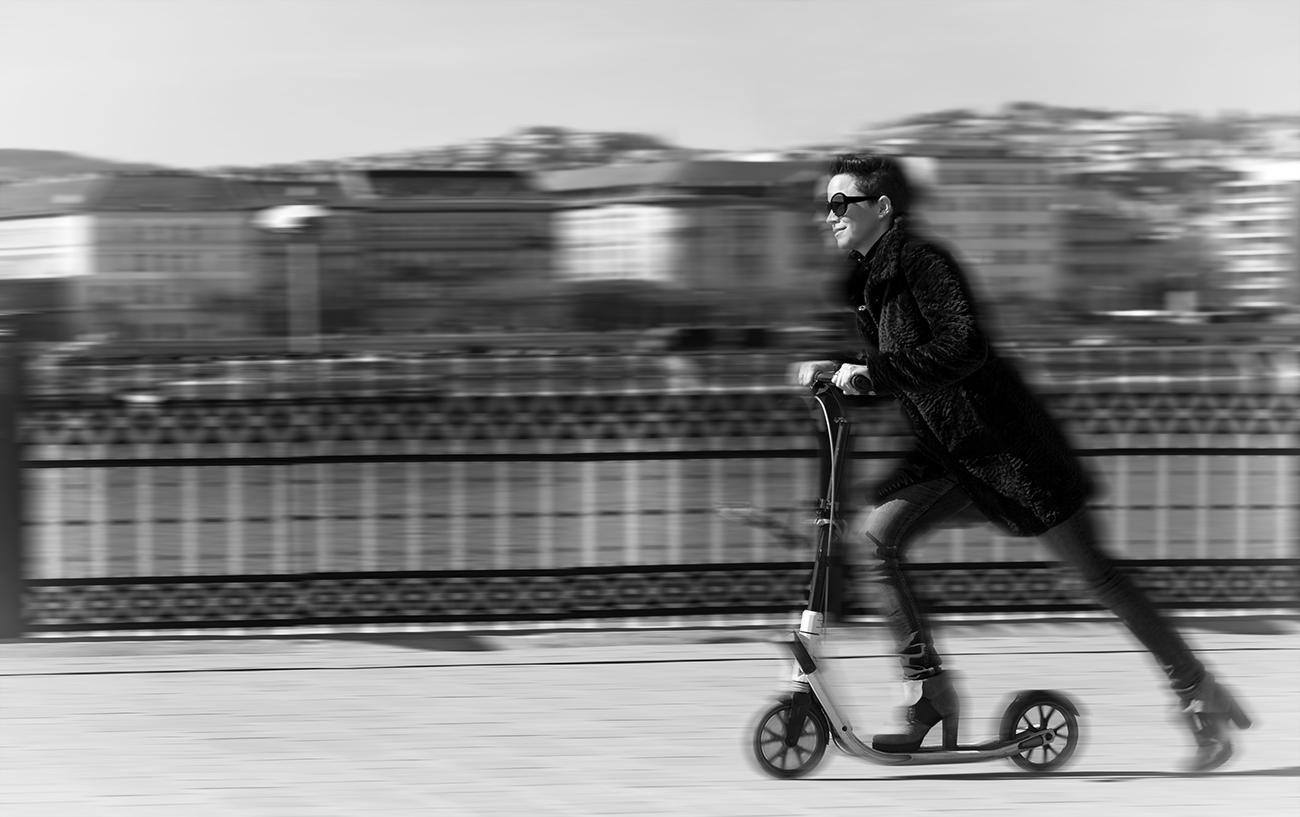 Budapest: Dame mit Roller