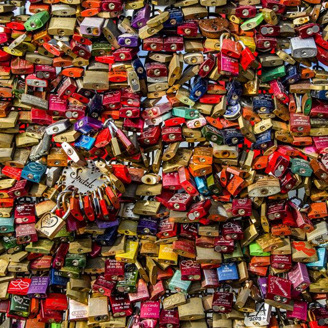 Köln: Liebesschlösser an der Hohenzollernbrücke