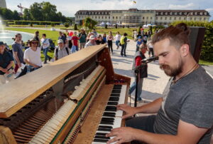 Internationales Straßenmusikfestival – Ludwigsburg, Schraubenyeti