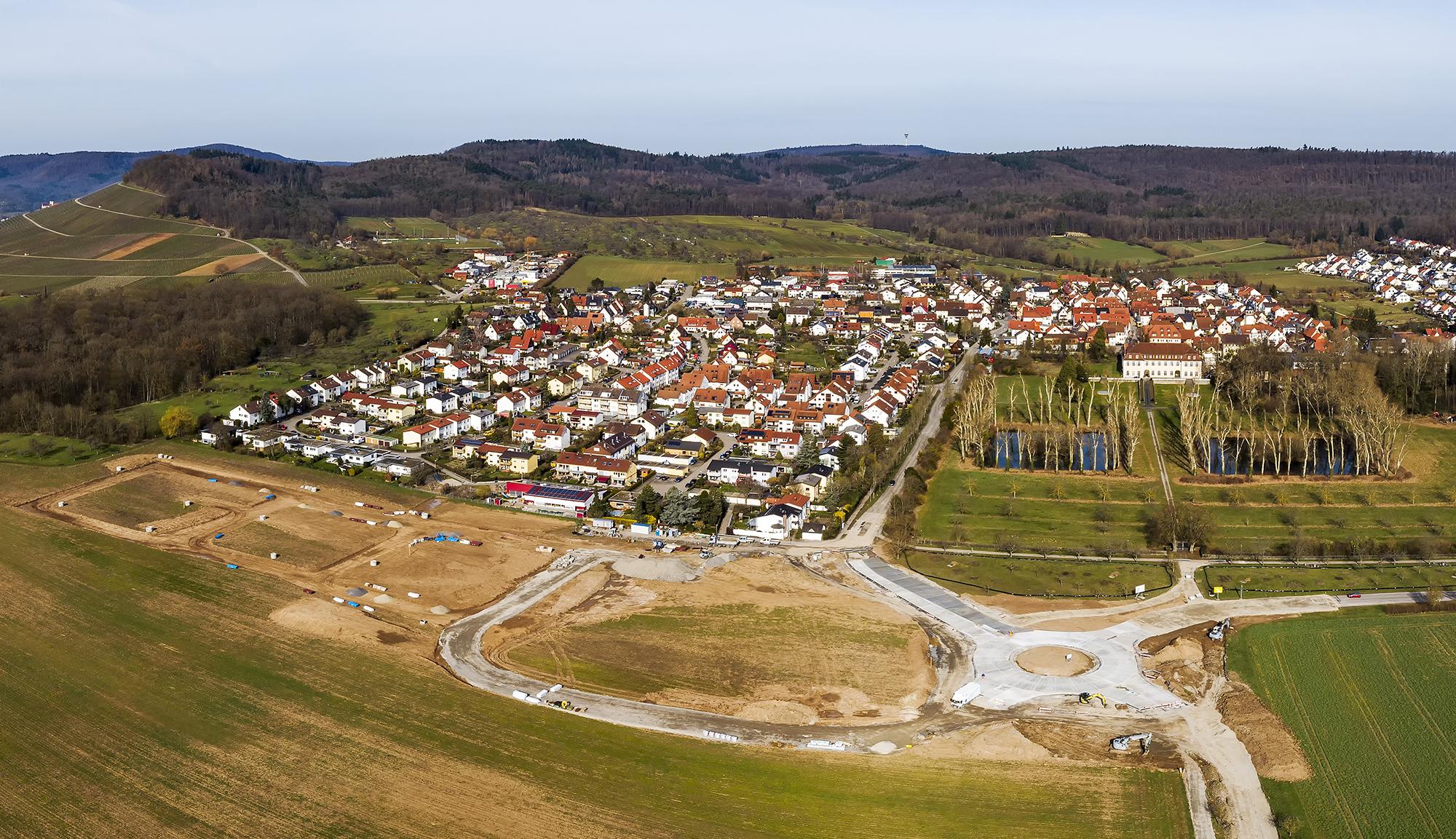 Kreisverkehr und Neubaugebiet Alleenfeld